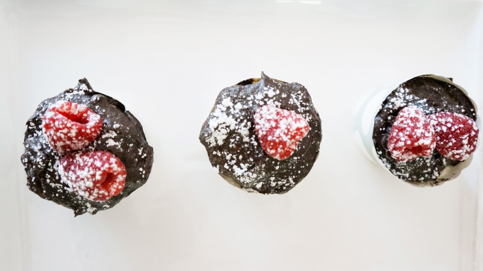 chocolate-raspberry-cupcakes-three-together-top-preview-1